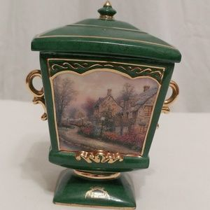 Thomas Kinkade Holiday - Thomas Kinkade Lamplight Lane Music Box